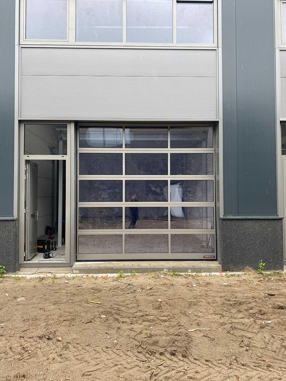 roldeur volledig met ramen