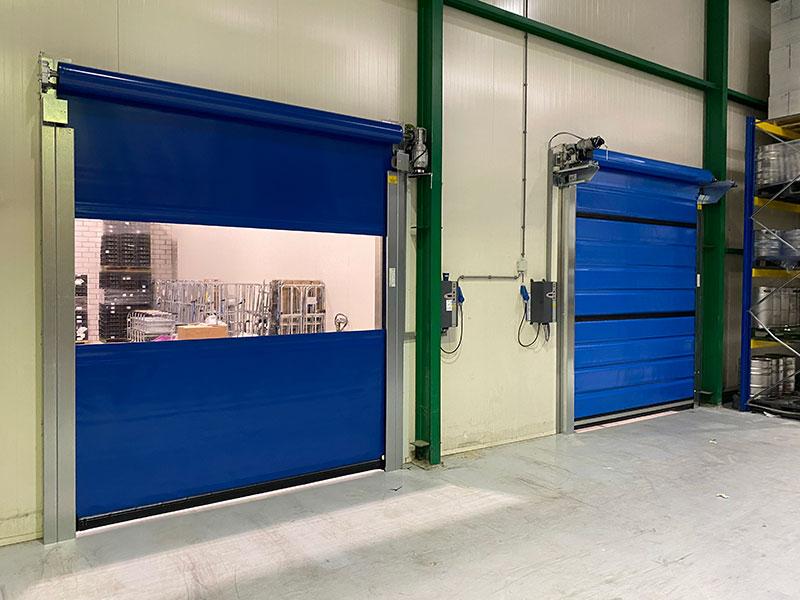 snelloopdeur-blauw-met-doorkijk